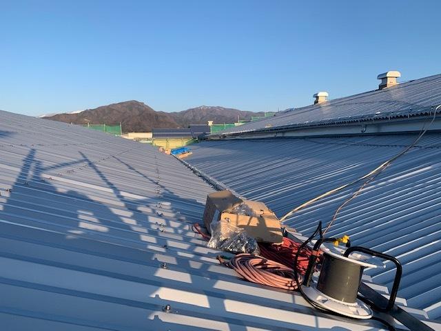 テニスグリーンコート屋根。