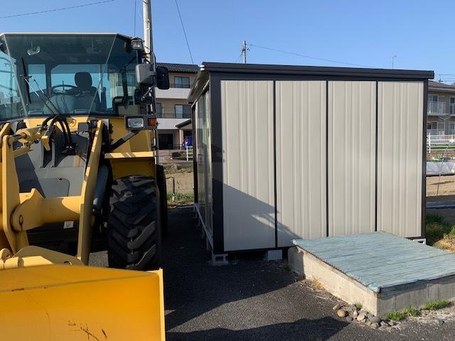 タイヤ倉庫完成。