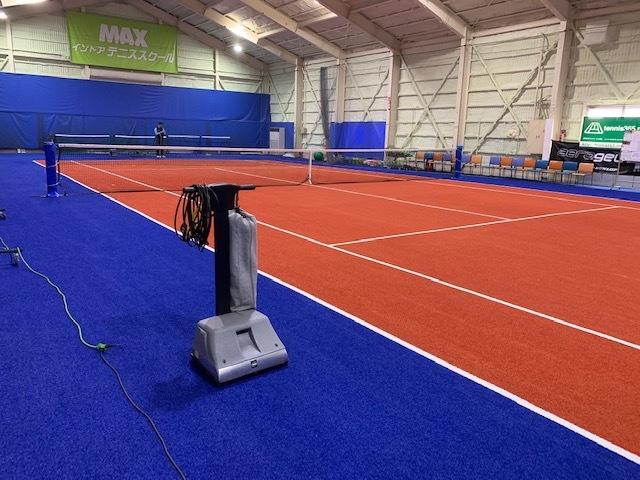 MAXインドアテニススクール、清掃。