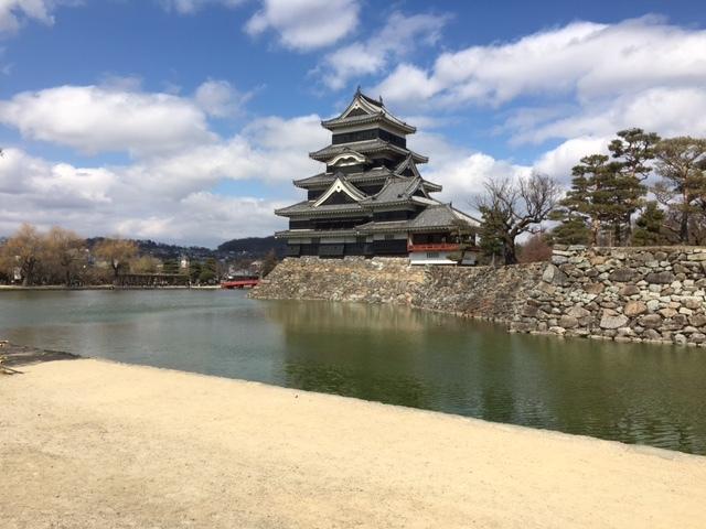 長野県は松本城も有名です。
