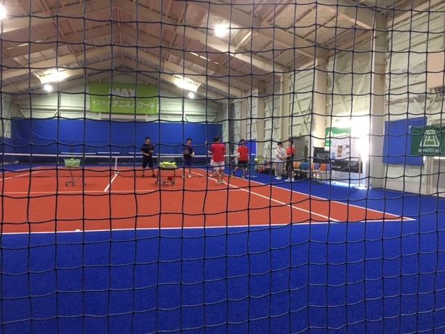 信州の合宿免許はインドアテニスができる。