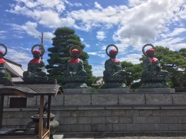 善光寺の六地蔵。