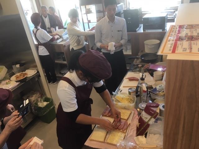 食ぱん道広徳店カフェ。