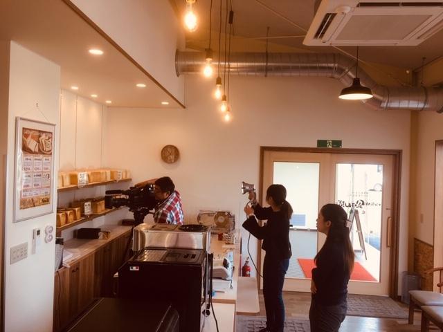 食ぱん道広徳店、長野朝日放送の取材。