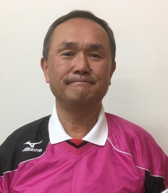 MAXインドアテニススクールの校長。