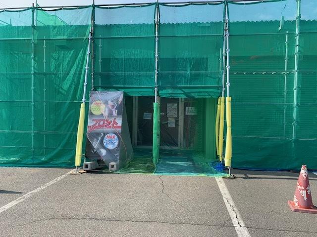 テニスコート外壁塗装工事、その後。